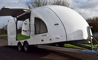 szymanski geschlossene woodford trailer und geschlossene. Black Bedroom Furniture Sets. Home Design Ideas